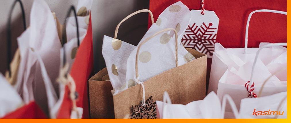 shopping-at-Christmas