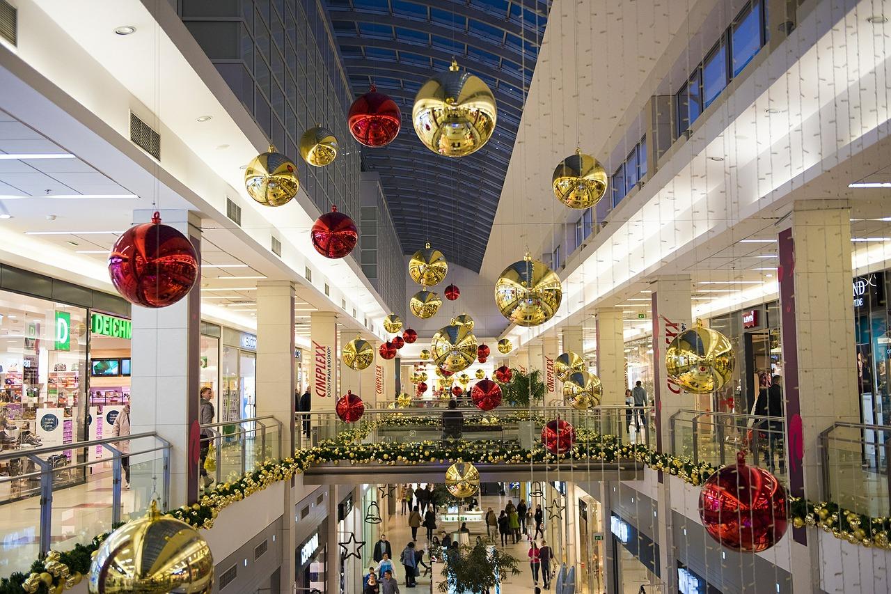 la música de tiendas de ropa imprescindible en navidad - hilo